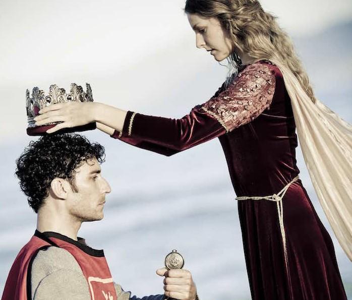 Tartalom stratégia koronázás király királynő